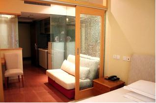 上海中山公園駅近くサービスアパートメントの部屋画像